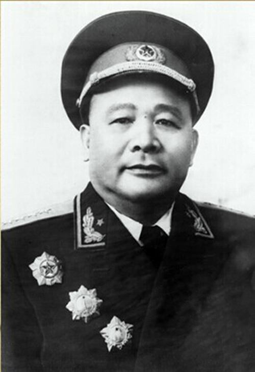 徐海东缺席解放战争,为何位列大将之二?主席:他是立过大功的人