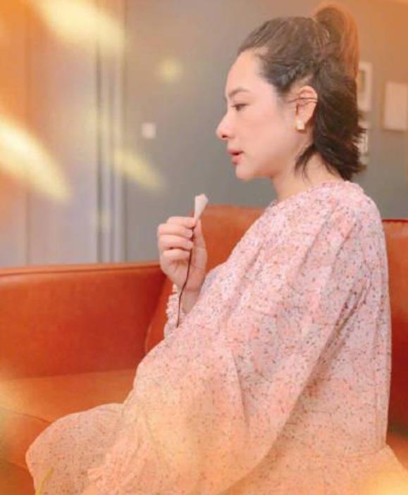 40岁刘璇二胎得女,为给富二代老公生娃,高龄产妇吃了不少苦