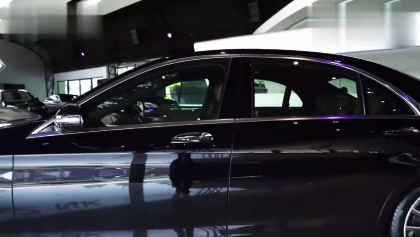 花160万订购的奔驰S500终于到店,看完外观内饰,庆幸没买宝马7