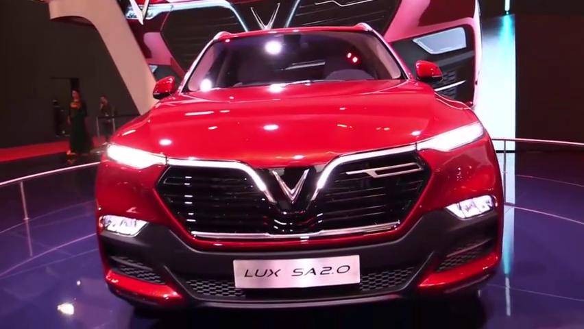 2020款LUXSA2.0,这是越南生产的SUV,据说底盘是用宝马X5的
