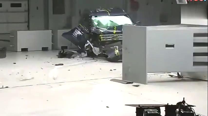 买福特探险者还是丰田汉兰达,看完碰撞测试就知道了