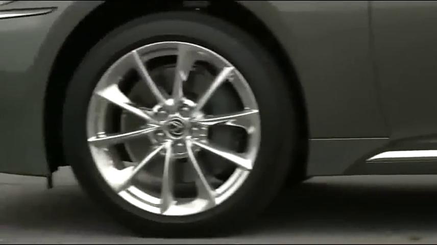 视频:试驾新款雷克萨斯LS500,打开车门那刻才是惊艳的开始!