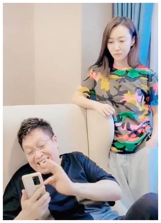 王为念三婚老婆疑曝光,晒视频表示结完婚后老挨打,过不下去了