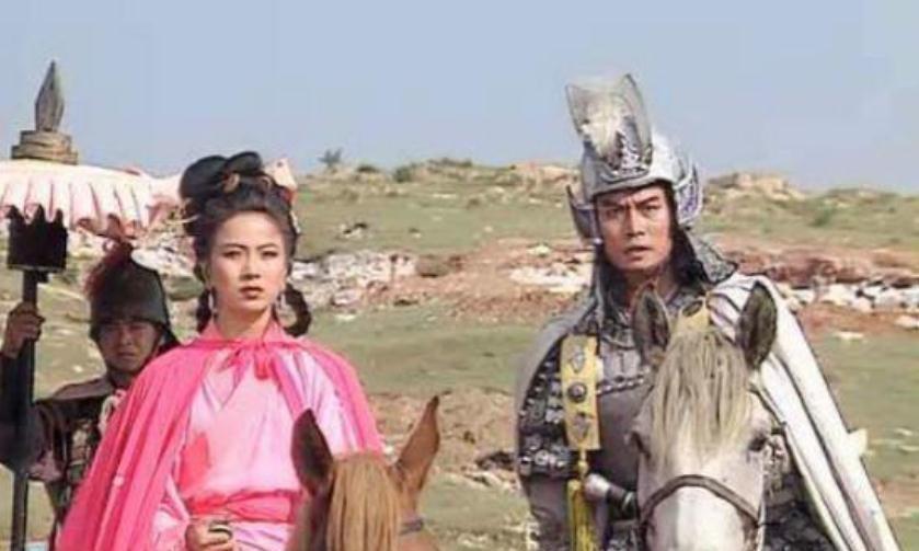 """因演""""赵子龙""""爆红,娶了陈佩斯的亲妹,妻子生病不离不弃"""