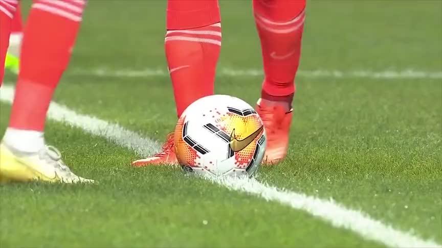 韦世豪2场3球 艾克森超级世界波 广州德比恒大5球大胜