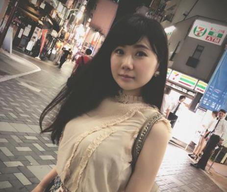 """福原爱结婚3年身材愈发饱满,自曝总被老公""""咬""""醒,网友:滋润"""