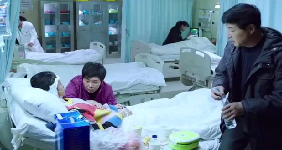 喝了百草枯以为没事想出院,医生同意,却告诉父母她活不过一个月