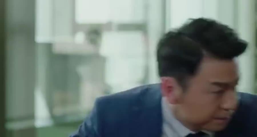 明明公司有着非常重要的事情,贺涵却因为子君的一个电话就要走人