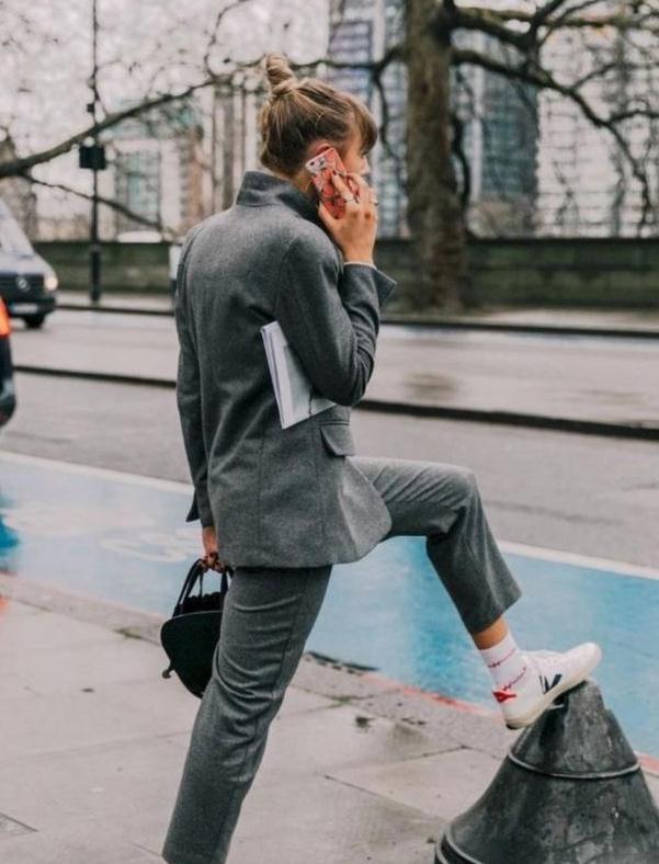 帆布鞋怎么穿出时尚范?都是有技巧的的,学会你也能拥有女神范儿