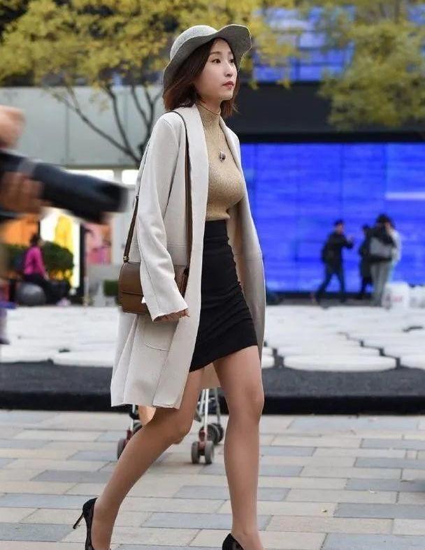 街拍:小姐姐,水灵秀气,性感时尚漂亮丰腴都是好身材!