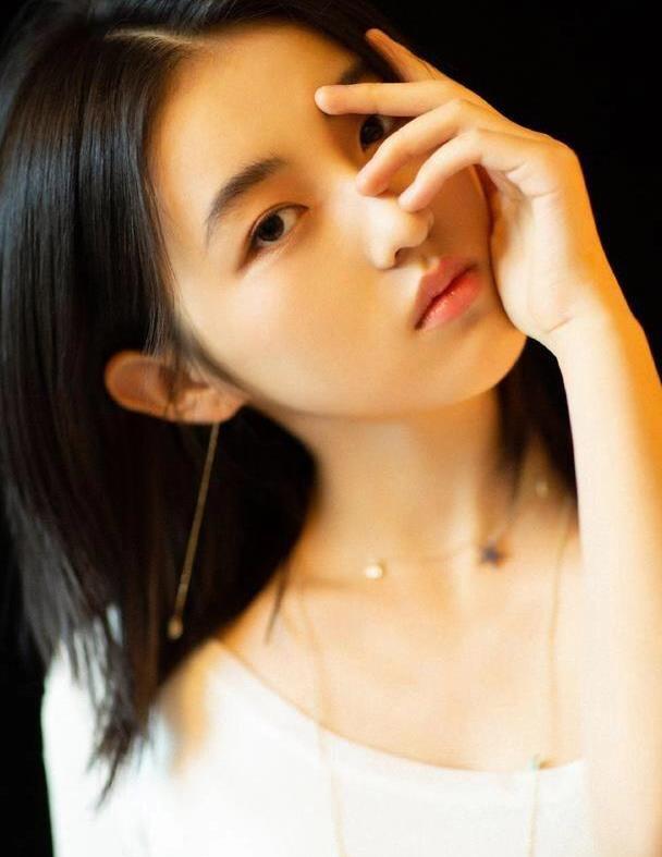 女神张子枫:第4699期气质潮流美图欣赏