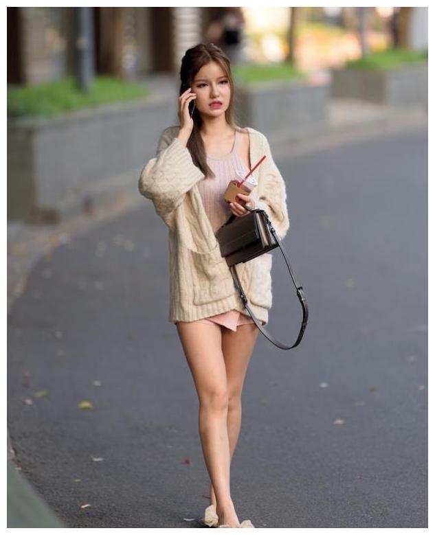 裸色气质小短裙,下衣失踪,优雅迷人