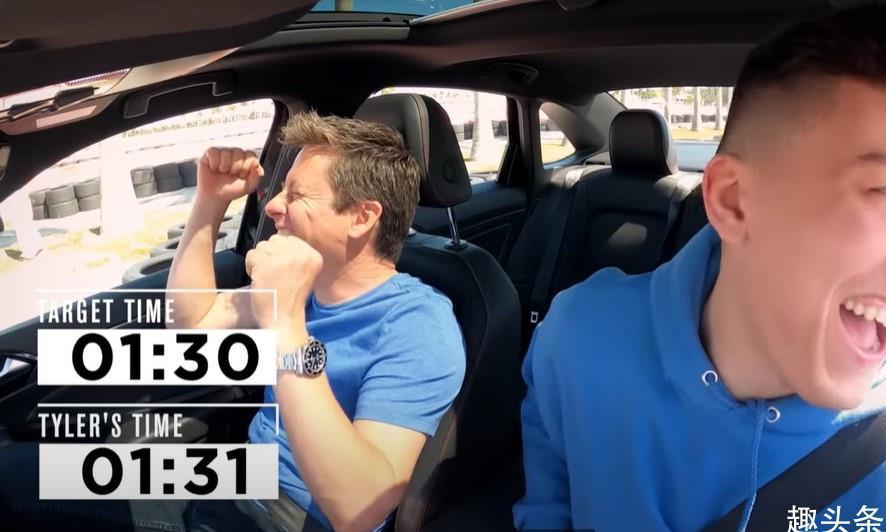 希罗参加内特-罗宾逊节目,挑战首次驾驶手动挡汽车