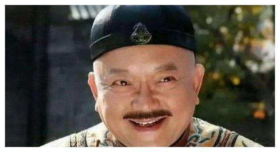 71岁王刚生活不易,娇妻每月花销上百万,养小60岁儿子,不敢退休