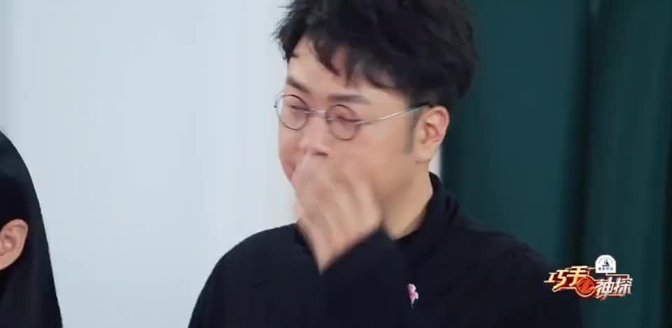 巧手神探:杨颖挑战双脚踩鸡蛋,竟然一个都没破!