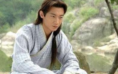 他是演员杨俊毅,曾经和陈法蓉因戏生情,现在和老婆生活很幸福