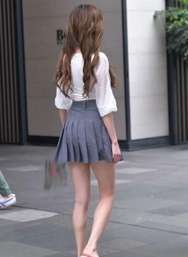 裙子的搭配,将温婉优雅的气质发挥到了极致!