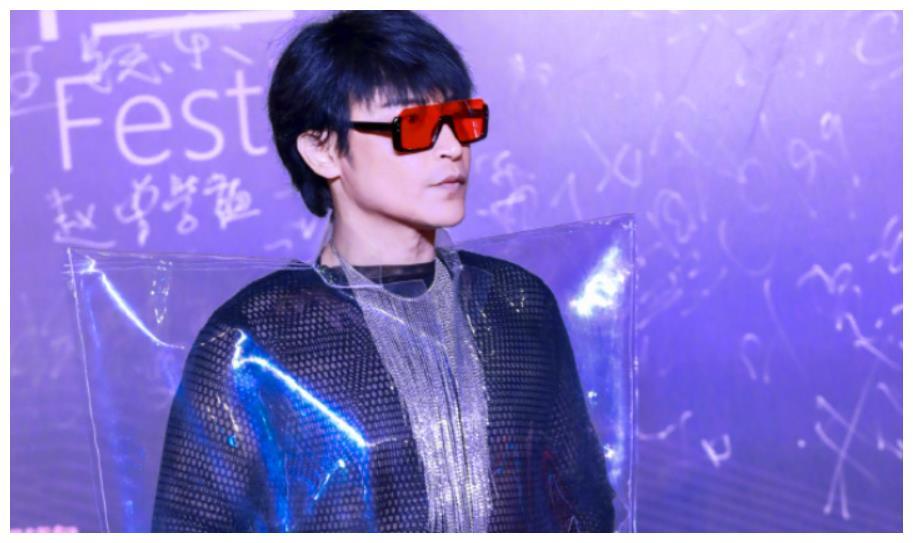 陈志朋上《哥哥》衣品不出挑被赞,但没有那些奇装异服,哪会有他