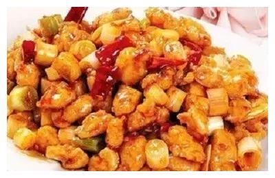 美食推荐:宫保鸡丁,酸辣鸡杂,蚝油芦笋牛肉的做法