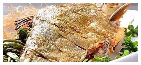 美食推荐:酥鳞武昌鱼,蒜苗辣炒酱香干,莴笋炒肉丝的做法
