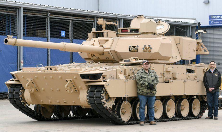 美军轻型坦克比15式轻坦外形更加粗壮,两者PK谁性能更强?