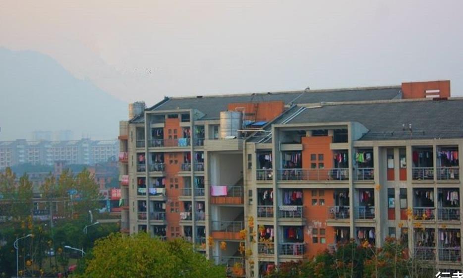 福建最无语的大学,不仅被当作武汉的大学,还常被当作民办学校
