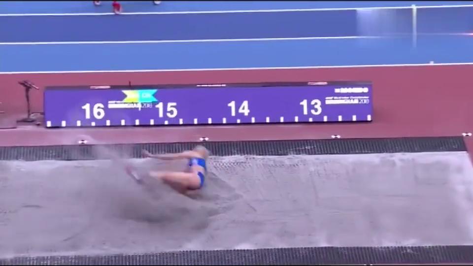 希腊的跳远选手,步幅太大轻松拿冠军