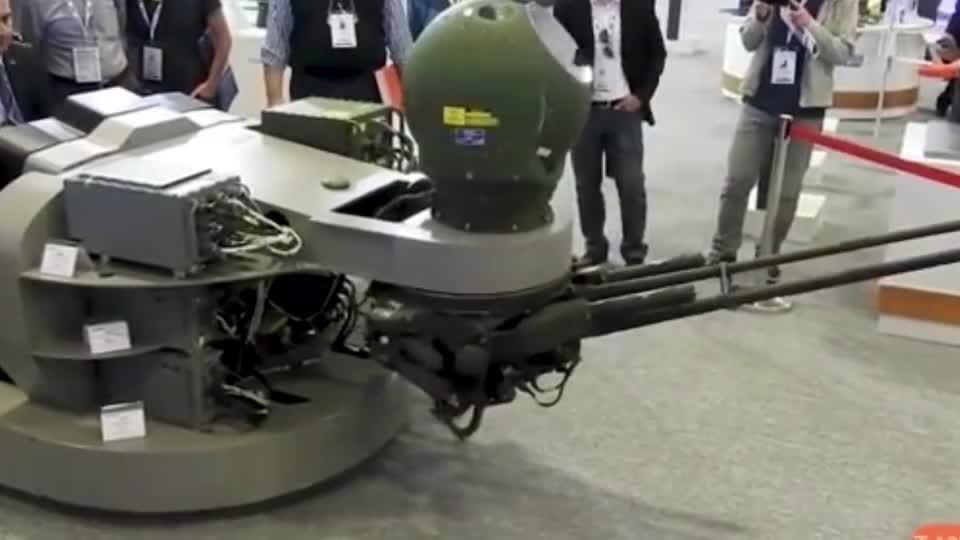 """土耳其T-129武装直升机""""光电转塔""""展示,网友:没装弹,不"""