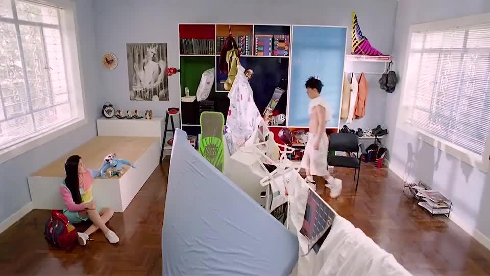 超级学校霸王:大雄真是衰神啊,连衣柜都欺负他,看不下去了