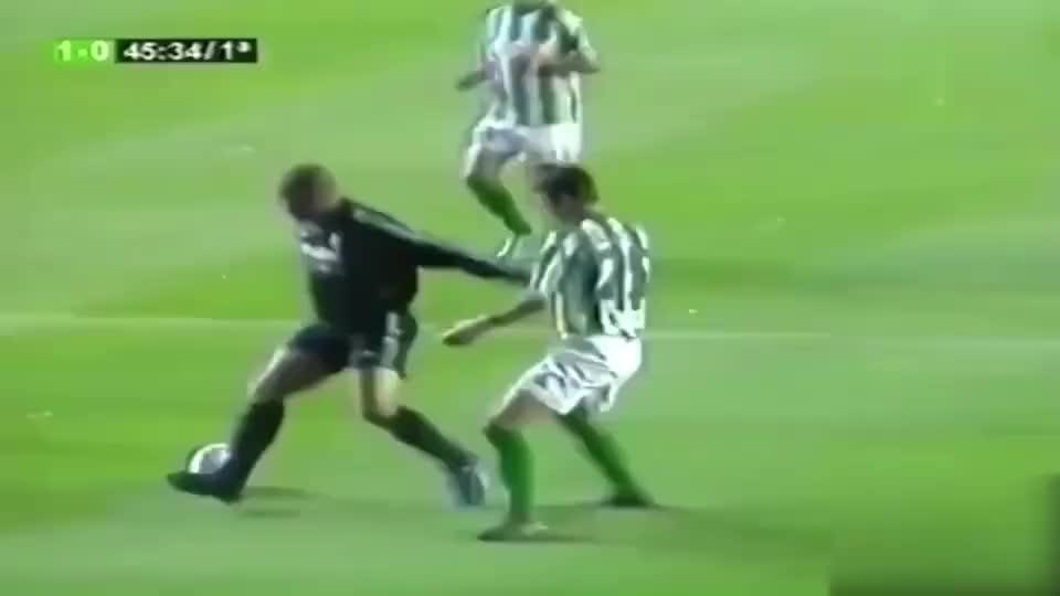 足球:以为我只会进球?罗纳尔多疯狂技巧秀外星人不是白叫的