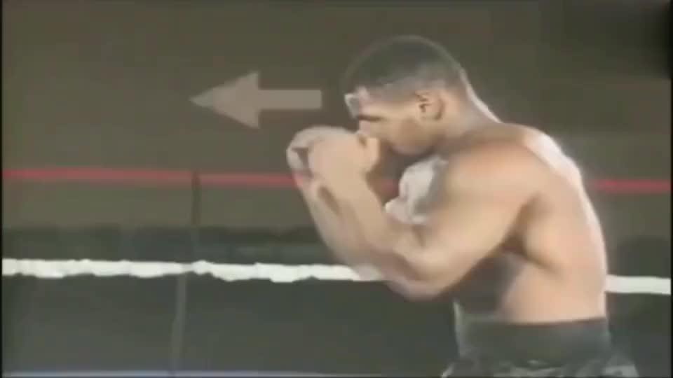 泰森这个视频值得反复观看, 简直就是拳击教科书