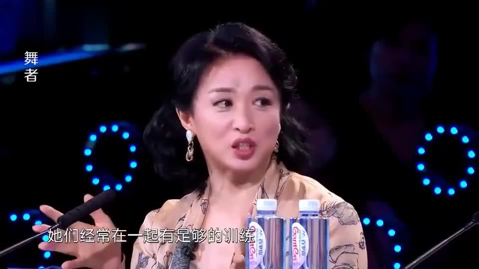 舞者:金星老师非常的严格,每一个细节都不能放过,包括头发