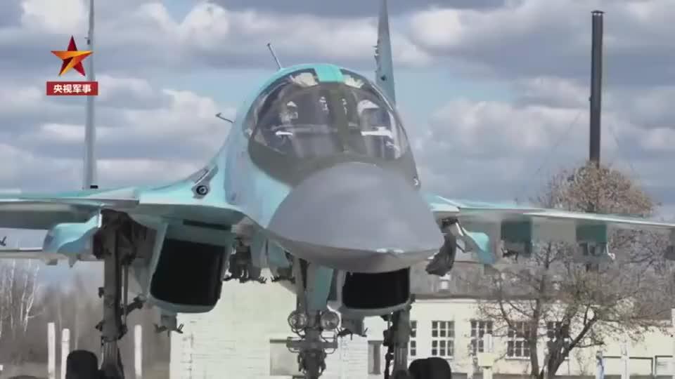 军媒播出俄罗斯苏34和苏27战机一对一自由空战画面
