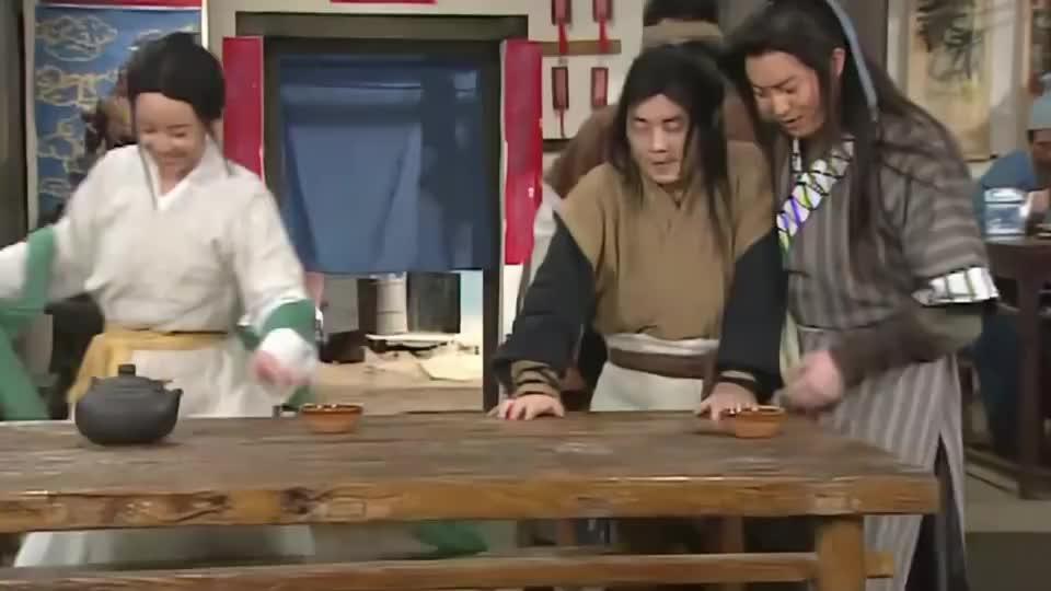 厨师李大嘴不会武功,却总想当镖师,简直是不自量力