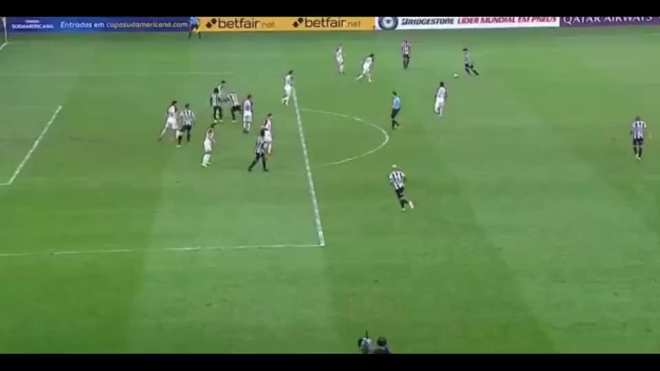 科隆队客场点球击败米内罗竞技队晋级南美杯决赛
