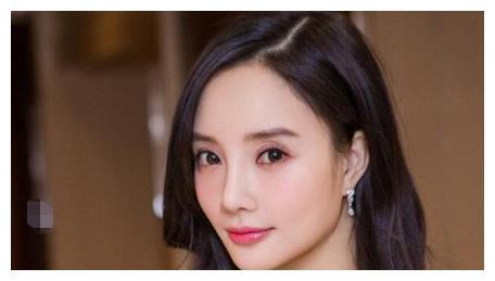 辣妈李小璐换风格,跳热舞还被嘲模仿金泫雅,网友:像个网红