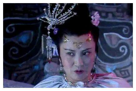 """""""白骨精""""杨春霞:为什么不是我演女儿国国王?我与杨洁不相往来"""