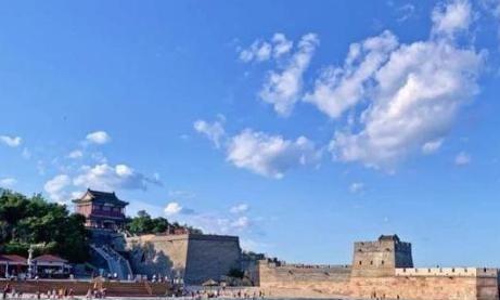 中国万里长城的最东边,尽头接近大海上,老祖宗的智慧令人敬佩
