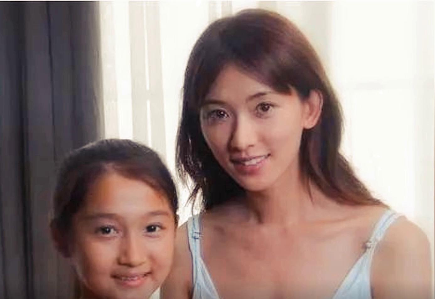 """林志玲""""年轻不懂事""""的时候拍的照片,那年的她真的很清纯"""