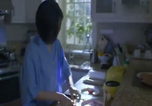 武丹丹和黄小栋同住一个屋檐下却形同陌路,刘若瑜感慨成长的烦恼