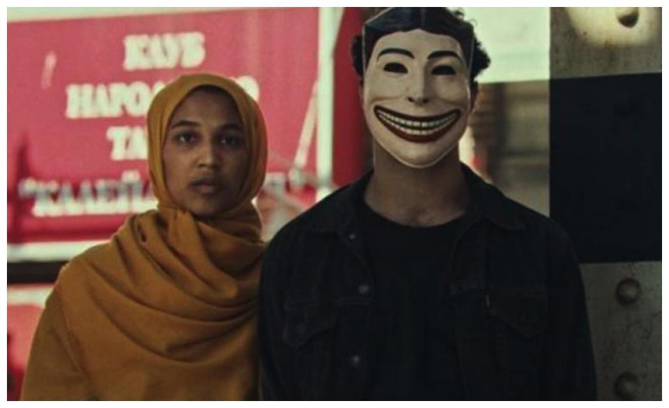 滑稽的脸  蒂姆·萨顿在柏林大剧院展示他的电影