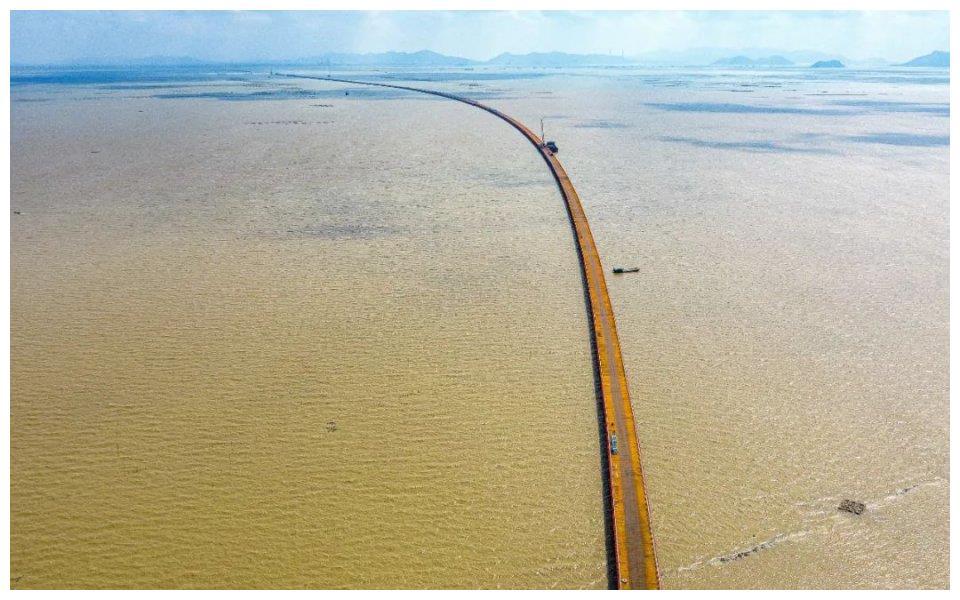 珠海黄茅跨海通道钢栈桥,全线贯通!