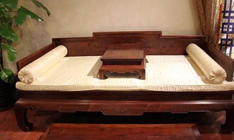 """被王世襄先生称之为""""最理想的卧具"""",罗汉床究竟怎么样?"""