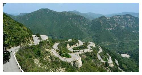 """山东的有座""""秋名山"""",盘山公路惊奇险峻,你敢去尝试吗"""