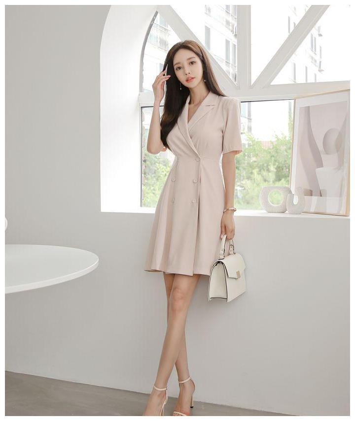 柳絮时尚:带着奶油味的田园风连衣裙,没有女生会不爱吧