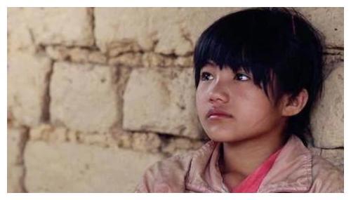 《变形计》中的农村女孩李勒优,被大连富豪妈妈收养后,近况如何