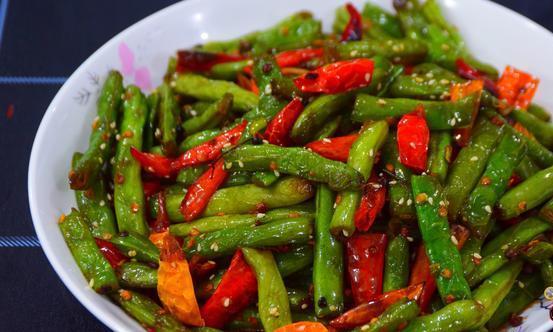成本6块钱,教你做香辣开胃的干煸四季豆,做法简单超下饭