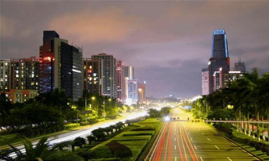 """中国最小的新一线城市,号称""""世界工厂"""",也被誉为打工者的天堂"""