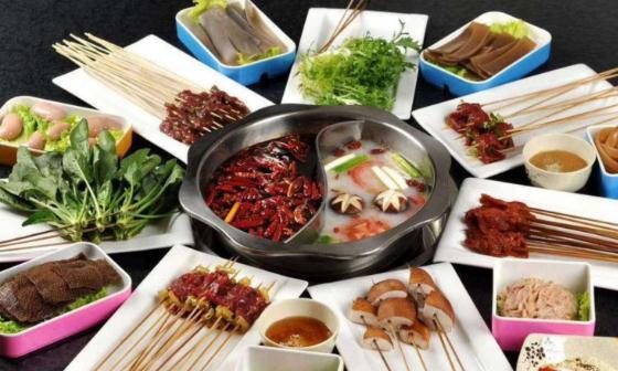 为什么四川,重庆火锅跟外地火锅不一样,蘸香油大蒜不蘸芝麻酱