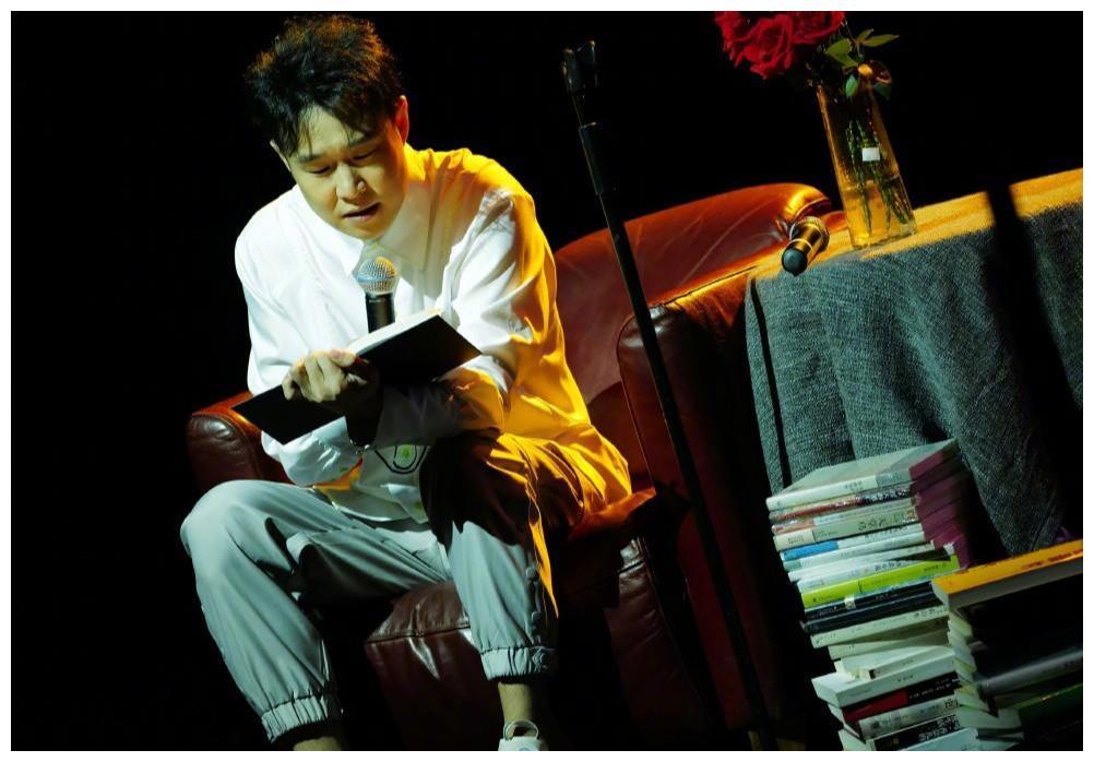 王小利恢复演出,李荣浩指出《乡村爱情》俩套路,第14部快拍了